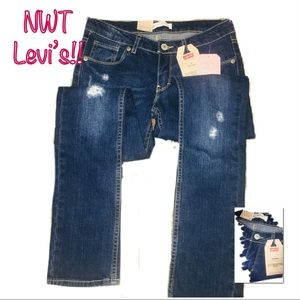 • LEVI'S | NWT | 711 Skinny Jeans •